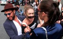 """Gigi Hadid hốt hoảng vùng vẫy khi bị """"nhà báo biến thái"""" sàm sỡ giữa đường"""