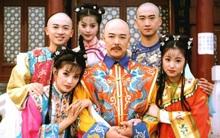 """Dàn sao """"Hoàn Châu Cách Cách"""" sau 19 năm: Càn Long vướng vào lao lý, Hạ Tử Vy mãi 40 tuổi mới chịu lấy chồng"""