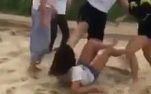 Bị đánh hội đồng dã man, nữ sinh 14 tuổi khóc lóc xin tha