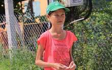 Cô gái mang khuôn mặt bà lão ở Quảng Nam: ăn gấp 10 lần người thường, uống mỗi ngày 36 lít nước