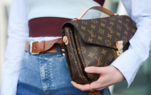 """Mê túi Louis Vuitton """"giá rẻ""""? Cứ nhè London mà mua nhé!"""