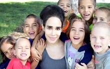 Bà mẹ liều mình đẻ sinh tám, 7 năm sau, tất cả chúng đều lớn lên khỏe mạnh nhưng...