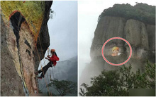 Si mê phượt thủ 40 tuổi, người phụ nữ 37 tuổi leo lên vách núi cheo leo vẽ tranh chân dung tặng người thương