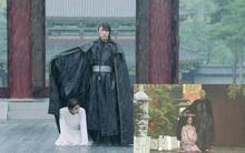 """Moon Lovers: """"Anh Tư"""" Lee Jun Ki tái hiện lại cảnh che mưa kinh điển trong Bộ Bộ Kinh Tâm!"""