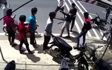 Clip thanh niên đâm chém nhau ở Củ Chi