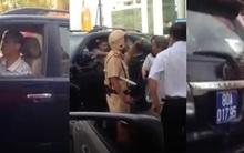 Tài xế lái xe biển xanh đi ngược chiều ở Sài Gòn bị phạt 1 triệu đồng, tước bằng lái xe 3 tháng