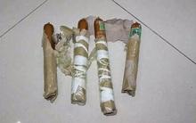 Chế 4 quả bom từ xúc xích, thanh niên cứng đe dọa cho nổ tung nhà bạn gái sau chia tay