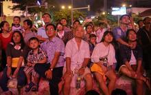 Người Sài Gòn đổ về trung tâm thành phố xem pháo hoa mừng Quốc khánh 2/9
