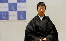 Đã tìm ra nhà sư đẹp trai nhất Nhật Bản trong cuộc thi sắc đẹp tại hội chợ ma chay