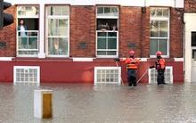 London ngập úng vì vỡ đường ống nước lần thứ 3 trong tuần
