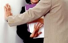 Nhiều nữ sinh chấp nhận bị quấy rối tình dục để giữ việc làm