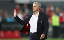 Fan MU cáu tiết đòi sa thải Mourinho sau 2 trận thua liên tiếp