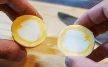 Tròn mắt ngạc nhiên với món trứng luộc lộn ngược siêu độc đáo