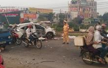 Hà Nội: Tàu hỏa tông trực diện ô tô Honda CRV, 5 người tử vong
