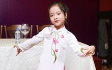 """""""Ca nương 6 tuổi"""" Tú Thanh ghi tên mình vào danh sách kỷ lục Guinness Việt Nam"""