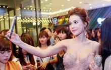 """Sam khoe thân hình gợi cảm trong váy ôm sát tại họp báo phim """"Linh Duyên"""""""