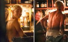 """Justin Bieber bất ngờ """"thoát y"""" giữa bar, khiến cô pha rượu không thể rời mắt"""