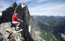 """20 bức hình cho thấy sự """"chịu chơi"""" của những du khách mạo hiểm nhất thế giới"""