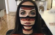 Ảo giác khuôn mặt bị cắt thành từng khúc dưới bàn tay phép thuật phù thủy trang điểm