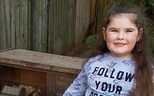 Bé gái xinh xắn mới 5 tuổi nhưng đã bước sang thời kỳ mãn kinh như các bà già