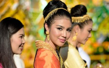 Hoa hậu hòa bình Quốc tế 2016 tham dự Hội xuân văn nghệ sĩ Let's Viet