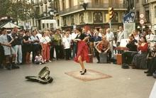 Nghỉ lễ giỗ Tổ: Bạn có chắc mình đủ sức... để quẩy hết Spanish Day?
