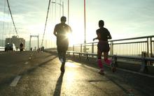 Cảm xúc trải dài cùng những bước chân trên đường chạy Marathon Quốc tế Đà Nẵng 2017