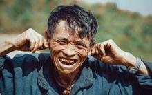Ông cụ dân tộc cùng nụ cười lan tỏa hạnh phúc khắp mạng xã hội