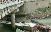 Hà Giang: Xe đầu kéo lao xuống sông, 2 người thương vong, 1 người mất tích