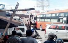 Đồng Nai: Xe ben húc xe khách, 1 phụ xe hãng Phương Trang bị tông chết khi ra hiệu lùi xe