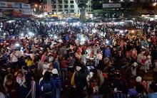 Chùm ảnh: Đông đúc nghẹt thở ở Đà Lạt, hàng nghìn phương tiện nối đuôi từ đường đèo lên trung tâm