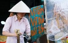 """Từ tấm biển 10 năm của chị bán hàng rong Sài Gòn đến trào lưu """"Vịt lộn vịt dữa cút lộn"""" làm mưa làm gió"""