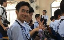 Muốn đi học quá, nhất là khi trong lớp có nam sinh với nụ cười điển trai như thế...