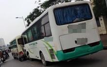 Hà Nội: Xe đưa tang nghi mất lái gây tai nạn liên hoàn, 1 người tử vong