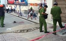 """Hai nam thanh niên nguy kịch sau màn """"quyết chiến"""" trên đường phố Sài Gòn"""