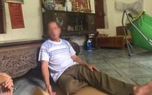 Ông nội bàng hoàng kể lại giây phút thấy cháu trai 33 ngày tuổi tử vong trong chậu nước
