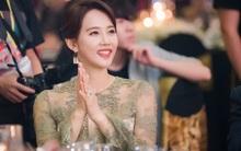 """Ở tuổi 47, ngôi sao phim """"Gia đình là số 1"""" vẫn trẻ trung và nổi bật dự sự kiện tại Việt Nam"""