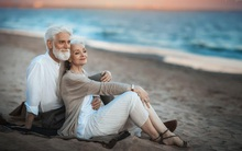 """Bộ ảnh """"Tình yêu vượt thời gian"""" của cặp vợ chồng già khiến ai cũng thầm mơ về một mối tình trọn đời như thế"""