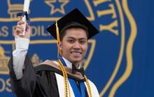 """Du học sinh Việt từ """"bụng đói"""" đến người duy nhất đại diện toàn trường phát biểu tại lễ tốt nghiệp"""