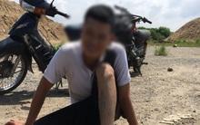 Hà Nội: Thanh niên nhảy cầu tự tử không chết, tự bơi vào bờ ngồi cười sau đó được lực lượng chức năng đưa về nhà