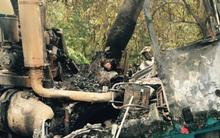 TP.HCM: Xe đầu kéo phát hỏa sau khi tông vào gốc cây, tài xế chết cháy trong cabin