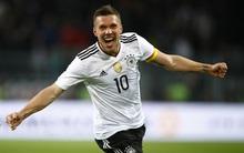 """""""Hoàng tử"""" Podolski lập siêu phẩm ngày chia tay đội tuyển Đức"""