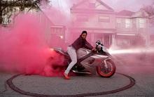 Câu lạc bộ mô tô phân khối lớn nhả khói hồng quy tụ những nữ biker chất hơn nước cất