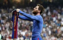 Messi cởi áo ăn mừng như vua trước hàng chục ngàn fan Real