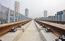 Cận cảnh đoàn tàu đường sắt Cát Linh - Hà Đông đang đóng gói, chuẩn bị vận chuyển về nước