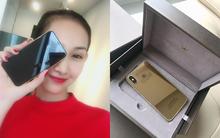 """Bỏ gần 1 tỷ """"độ"""" iPhone X vàng nguyên khối đầu tiên tại Việt Nam, thế mới thấy dân ta chịu chơi đến nhường nào"""