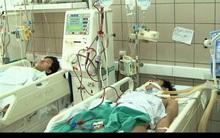 12 SV cả nam lẫn nữ ở Hà Nội nguy kịch vì ngộ độc rượu ngày 8/3: Rượu giá chỉ 14.000 đồng/ lít