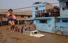 Chùm ảnh: Xót xa trước cảnh tượng tan hoang của Peru sau trận lũ lịch sử
