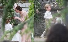 Hoàng tử nhí Anh Quốc bị mẹ mắng trong lễ cưới của dì ruột, vừa đi vừa khóc tu tu
