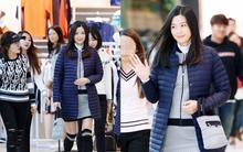 Mang bụng bầu 6 tháng dự sự kiện, Jeon Ji Hyun lại gây náo loạn trung tâm thương mại vì quá đẹp